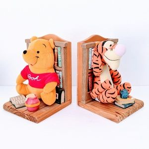 Winnie The Pooh & Tigger Bookend Buddies Wooden